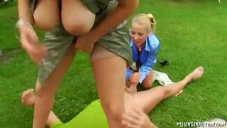 liana smiss outdoor threesome